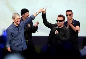 U2 Apple - CIao Mamma Guarda Come Mi Diverto