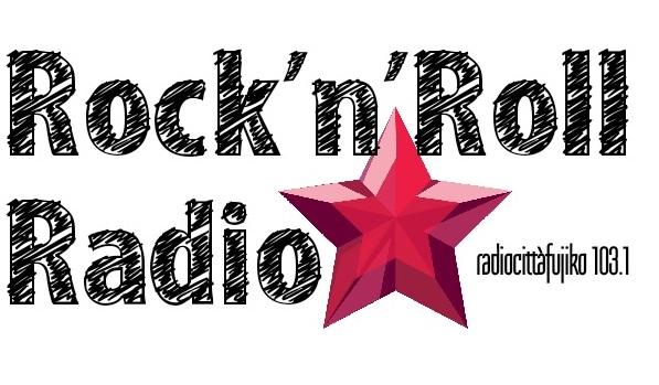 La Rivoluzione sta suonando alla radio (2)